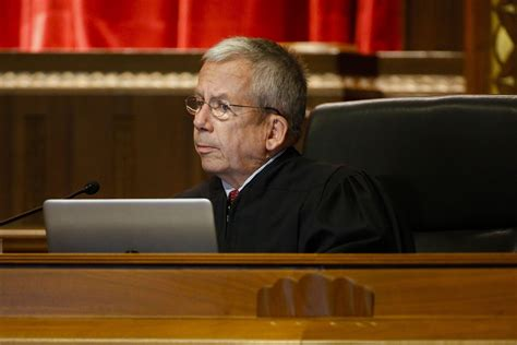 ohio state bar chief  oneill  quit supreme court