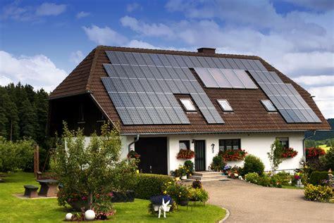 des panneaux solaires pour votre chalet de jardin non class 233