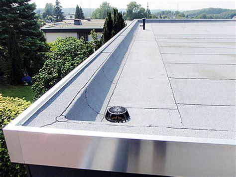 Flachdach Abdichten Oder Flachdachsanierung by Flachdachabdichtung Folie Oder Bitumen Schwimmbad Und Saunen