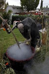 scary halloween decorating ideas 40 Scary Halloween Decoration Ideas To Try This Year