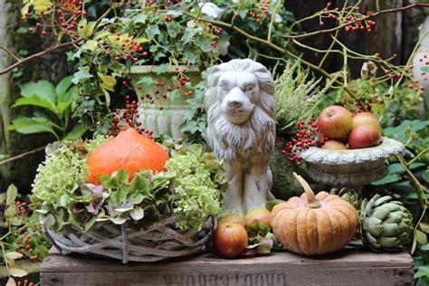 Garten Deko Löwe by Unser Garten Im Herbst Tisch Decken