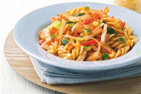 pasta met gerookte kip recept allerhande albert heijn