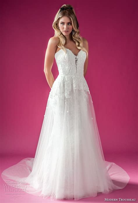 Modern Trousseau Fall 2018 Wedding Dresses  Wedding Inspirasi. Wedding Dresses Plus Size Nz. Wedding Dresses With Royal Blue Accents. Cheap Wedding Dresses Sioux Falls Sd. Tea Length Wedding Dresses Cap Sleeves. Vintage Wedding Dresses North East England. Wedding Dress With Zip Off Skirt. 50s Style Wedding Dresses Dublin. Best Vintage Lace Wedding Dresses