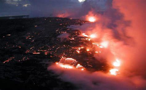 video kilauea volcano lava flow  hawaii nears
