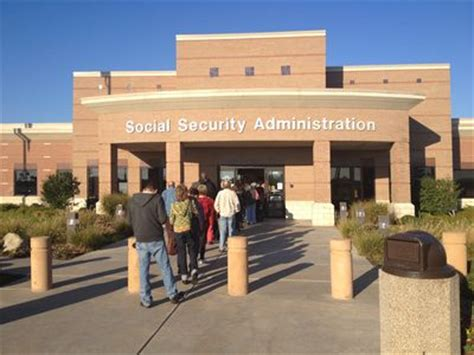 Long Line At Tulsa Ssa Office On First Day Of Gov't