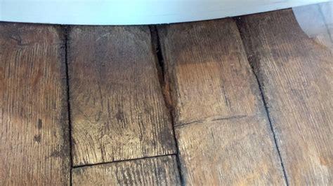 autre mobilier parquet de salle de bain qui a pris l humidit 233 r 233 par 233 commentreparer