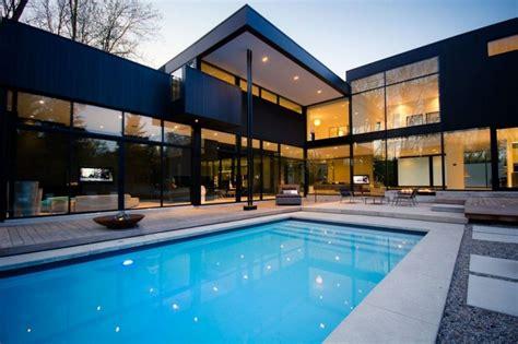 storey modern home  ontario canada