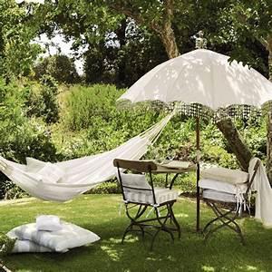 Vintage-style garden Outdoor living Garden accessories