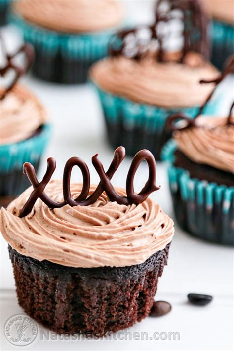 chocolate cupcakes decorating ideas moist chocolate cupcakes with prague frosting