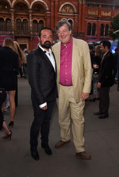 The V&A and Harrods Host a Summer Party - Vogue | Vogue