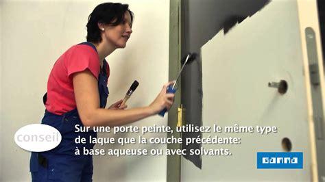 comment decorer une porte interieure peindre une porte int 233 rieure en la bloquant vid 233 o