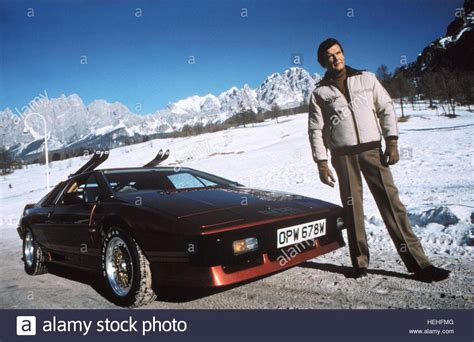 roger moore for your eyes only roger moore james bond for your eyes only 1981 stock