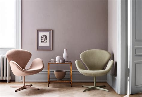 swan lounge chair designed  arne jacobsen twentytwentyone