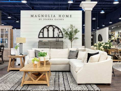 west coast home store greets dfw  special treat