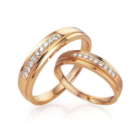 gold wedding rings gold wedding rings  couples  india