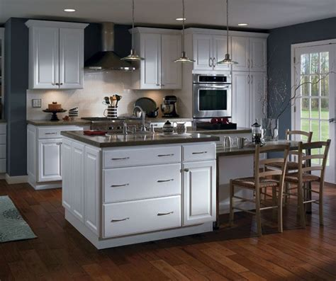 homecrest thermofoil harbor court white finish kitchens 573 87bec532076f9034d5bfab9125b8ca87