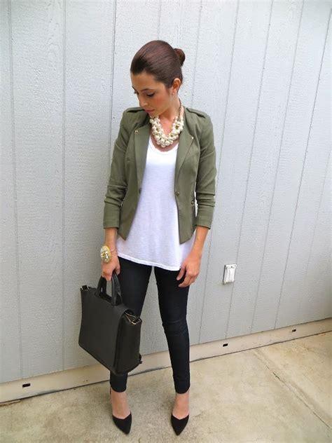 Black skinny pants white oversized T olive green jacket black heels | Spring/Summer Outfits ...