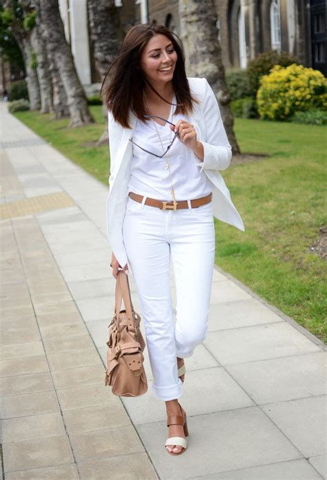 15 Trendy Outfit Ideas with White Jeans - Pretty Designs
