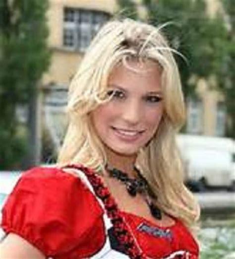 Best Sex Adult Erotic Nudes Red Paper Bag Title Ukrainian