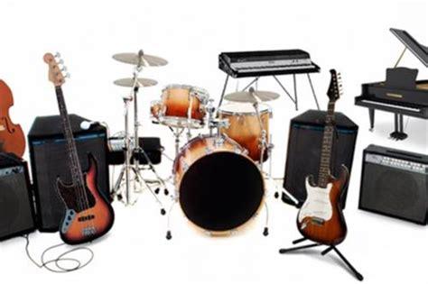 Alat musik adalah alat yang berfungsi sebagai pengiring dalam memainkan musik. Macam-Macam Alat Musik Beserta Jenis-Jenis dan Contohnya