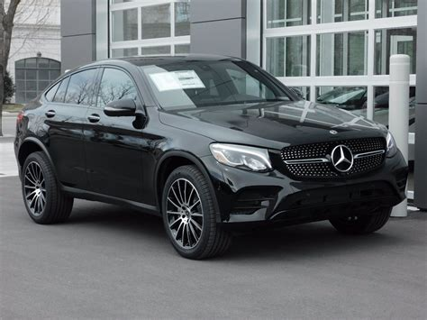 As the entry model in the glc range the 300 comes with a 2.0l turbo that drives the rear wheels. New 2019 Mercedes-Benz GLC GLC 300 COUPE in Salt Lake City #1M9331 | Mercedes-Benz of Salt Lake City