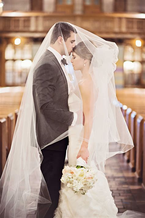 Wedding Day Pictures Romantic Poses For You And Your