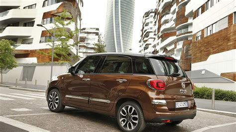 Fiat 500l Commercials The Italians Are Coming Autoevolution