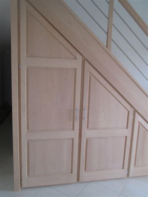 le rangement sous escalier un placard tendance fabricant d escaliers sur mesure debret