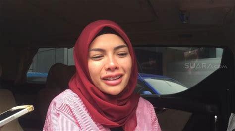 Pamer Pose Tanpa Hijab Nikita Mirzani Ini Bukan Sensasi