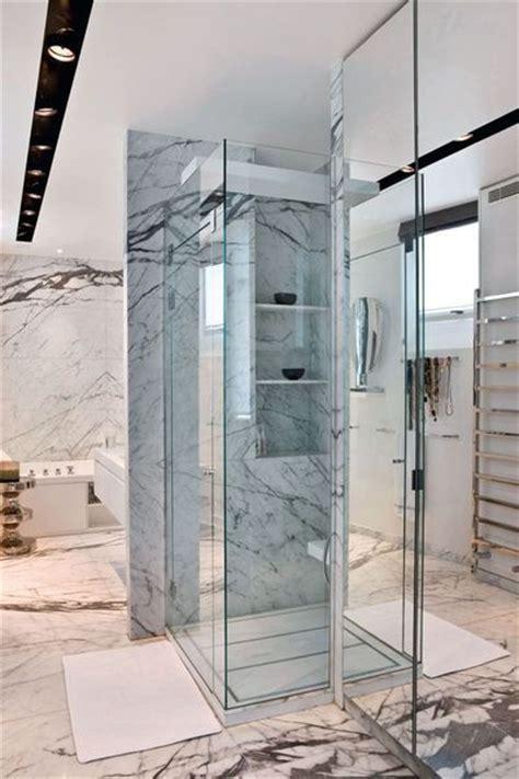 plan chambre salle de bain une salle de bains en marbre côté maison