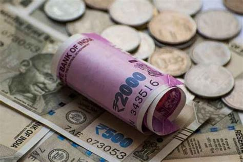 pakistanis  nepalis arrested  fake indian currency  nepal