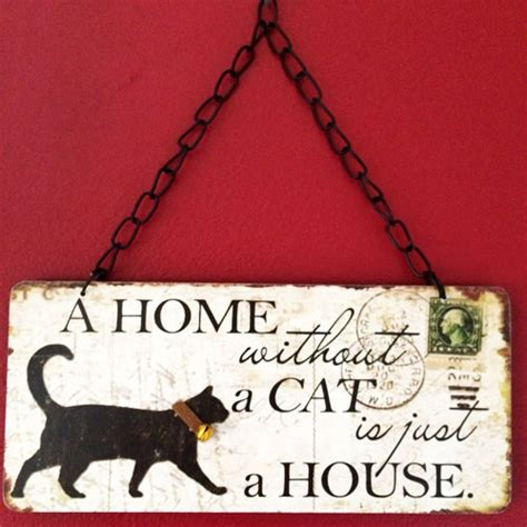 vintage  home   cat    house wooden sign