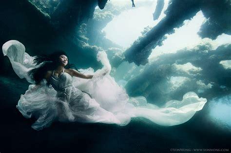 models dive  meters   underwater shipwreck