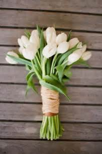 unconventional and affordable bouquets for the modern wedding by wedpics - Tulip Bouquet Wedding