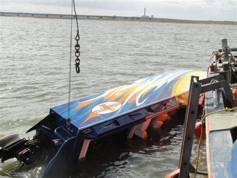 Cigarette Boat Ocean by Three Sent To Hospital After Cigarette Boat Rolls And