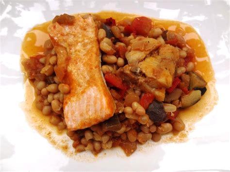 cuisiner des haricots blancs recette du ragoût de haricots blancs aux poissons