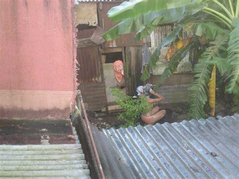 Indo Hot 2011 Ngintipin Cewek Tetangga Lagi Mandi