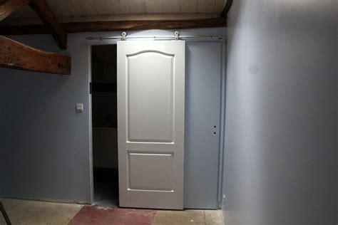 comment fixer une porte
