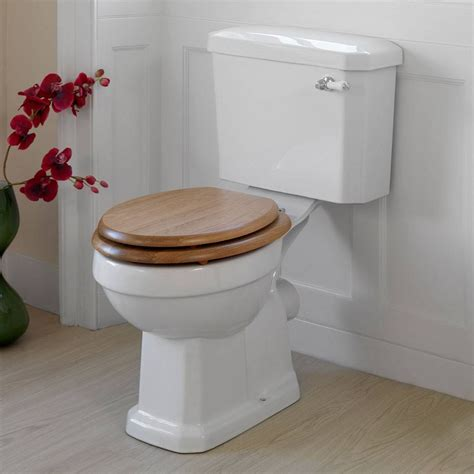 This Oak Wooden Toilet Seat Is The Perfect Match For The