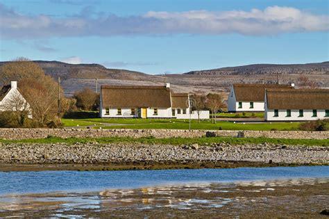 Cottage Irlandesi Irlandesi Cottage In Burren Immagine Stock