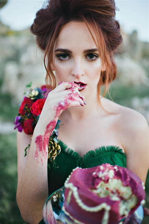 Blush photography let them eat cake 80 · Rock n Roll Bride