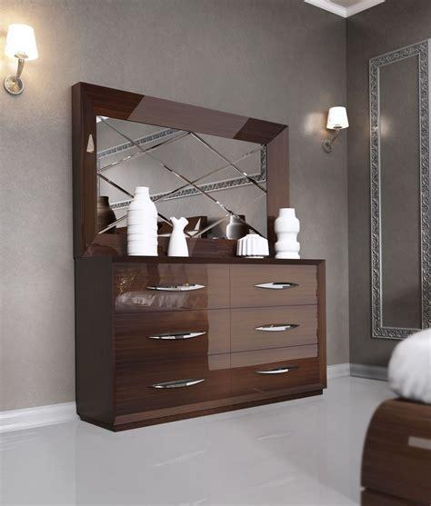carmen walnut modern italian bedroom set  star modern