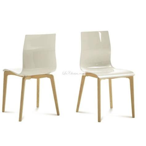 chaise plastique design chaise plastique bois gel et chaises design de salle à