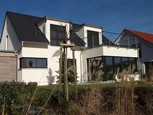 Haus Mit Gaube : einfamilienhaus modern holzhaus satteldach gauben mit ~ Watch28wear.com Haus und Dekorationen