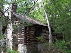Log Cabins On Lake George