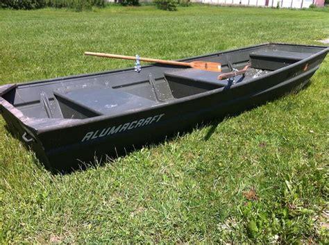 Canoe Flats Boat by Alumacraft 14 Foot Flat Bottom Boat With Oars Auction