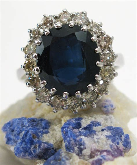 engagement ring of diana spencer