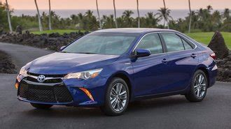toyota offering lease loyalty discount  camry corolla