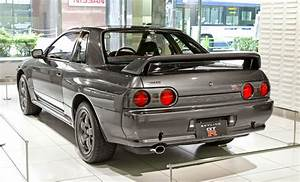 Nissan Gtr R32 : one man 39 s lonely adventures in his r33 skyline gt r how the r33 gt r improved upon the r32 gt r ~ Medecine-chirurgie-esthetiques.com Avis de Voitures