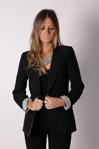 Courtney blazer- black... Perfect job interview outfit. Glam yet professional. ) | Esthetician ...